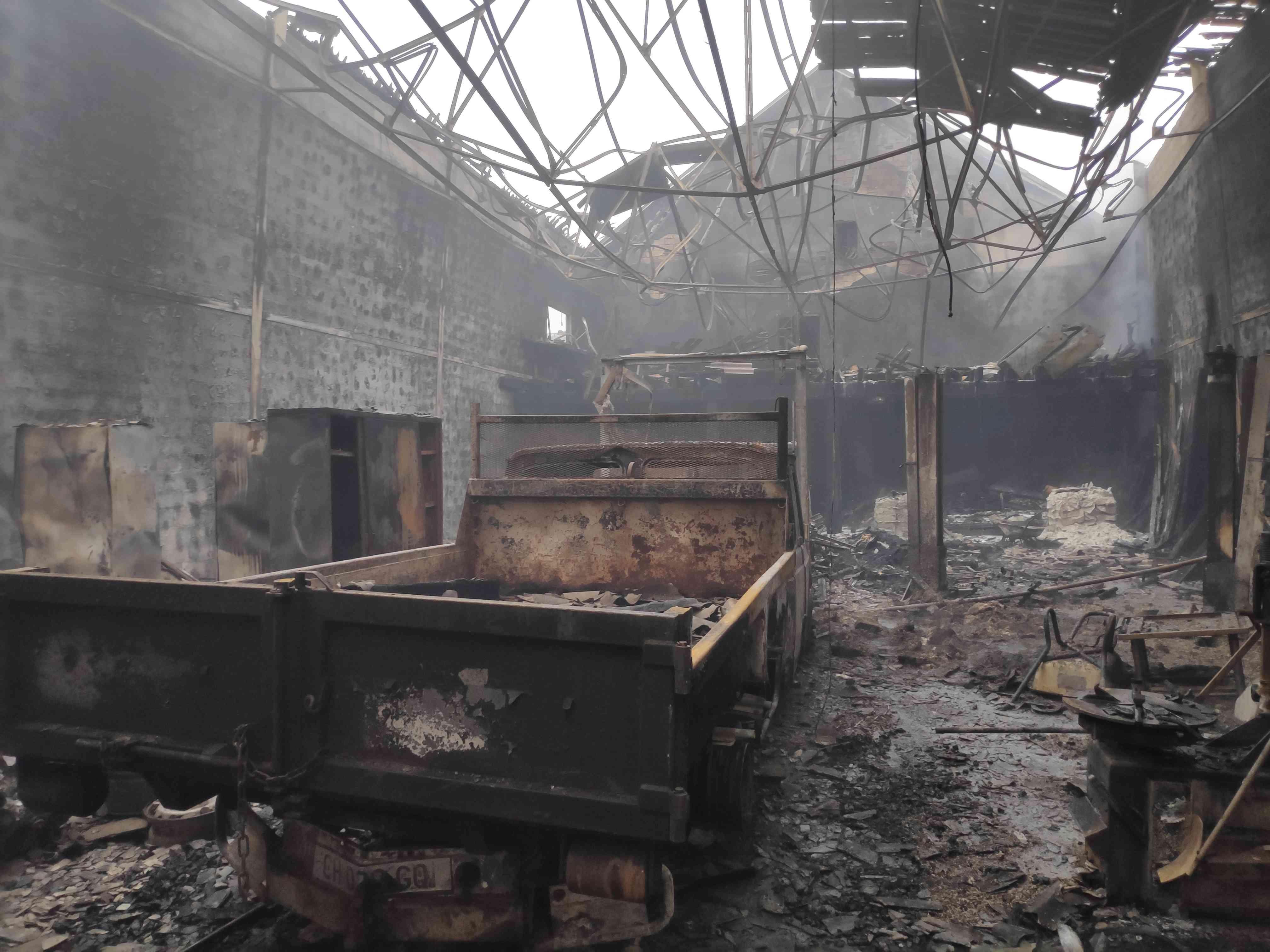 Après le feu, vue de l'entrée